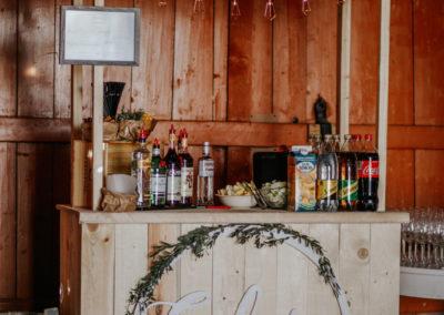 baarilett, küünipulm, ravila karjakastell, pulm, pulmad, dekoreerimine, dekoratsioonid, pulmakorraldaja, anete toming, lilleseaded