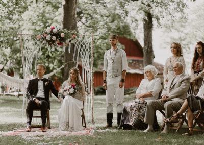 tseremoonia, makramee, Tammistu küün, küünipulm, suvepulm, dekoreerimine, dekoratsioonid, pulmapäev, tartu, peokoht, lilleseaded, pulmapäev, lilled